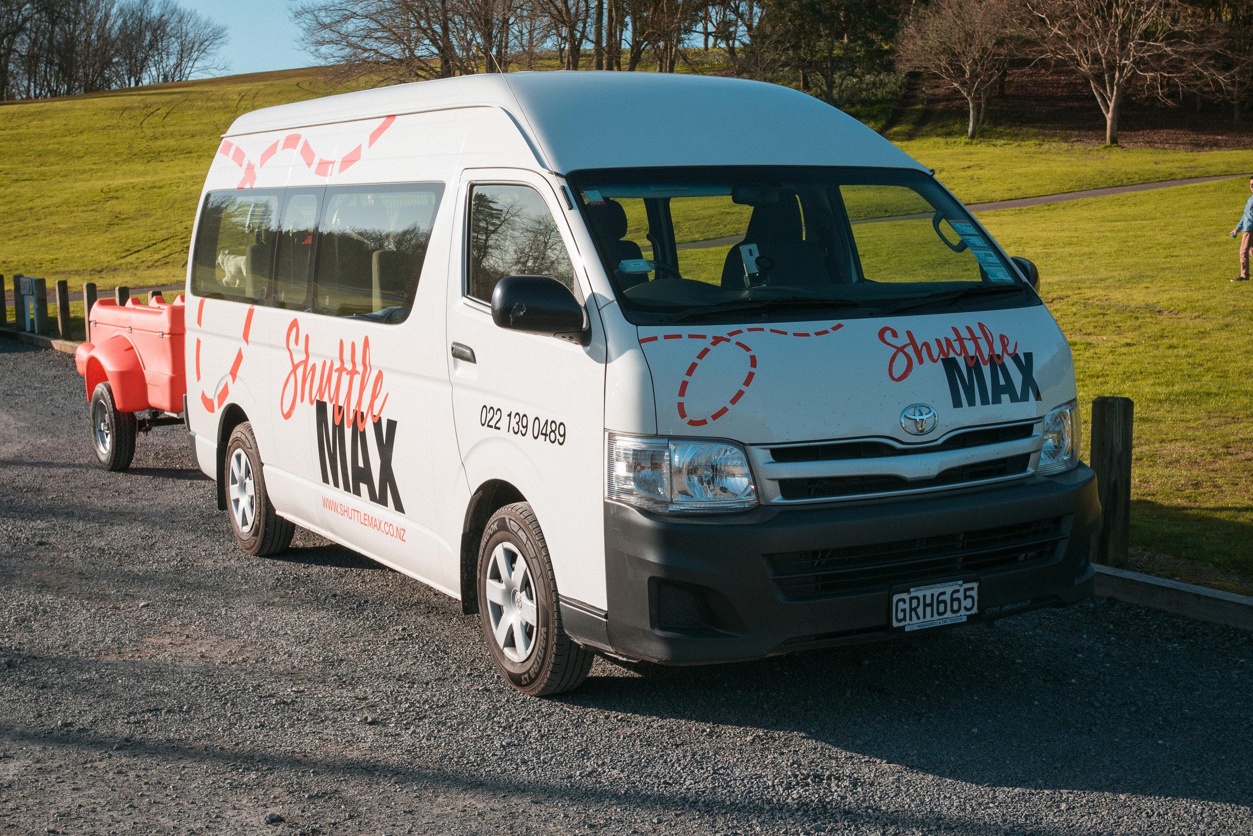 ShuttleMax-Van-Shuttles-Travelling.jpg