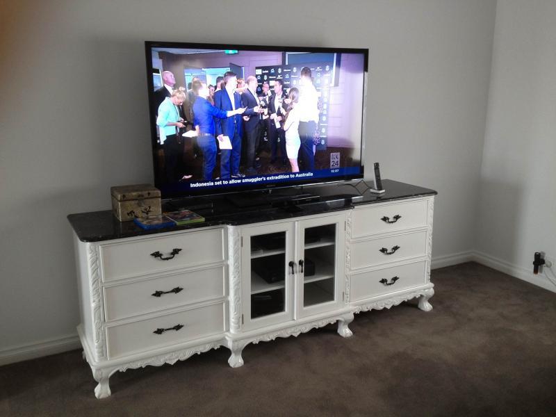 TV025