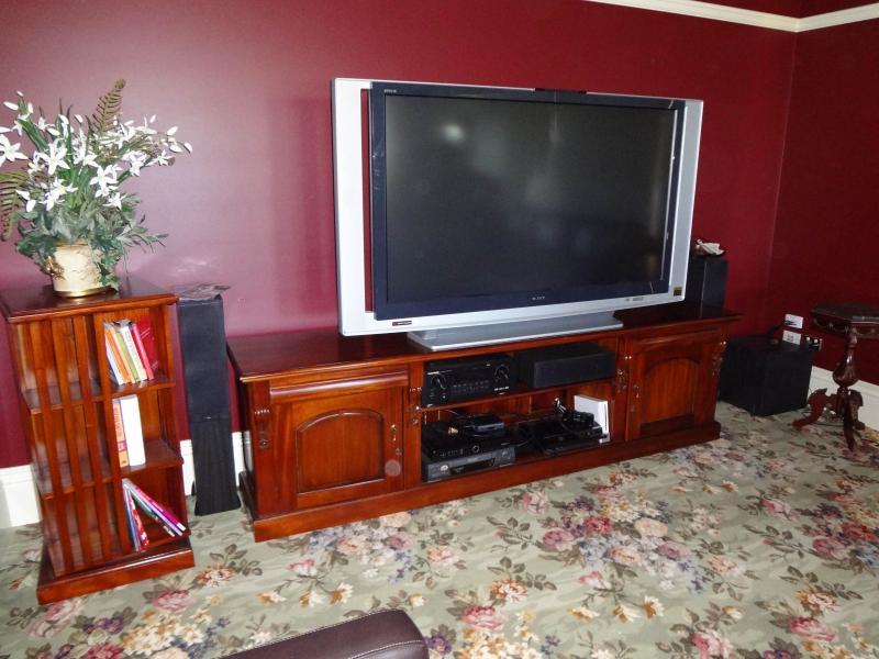 TV022