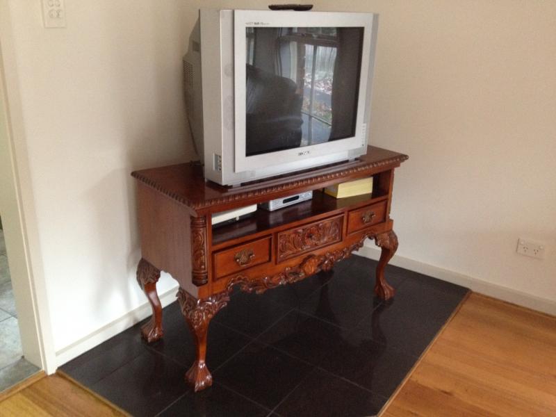 TV010