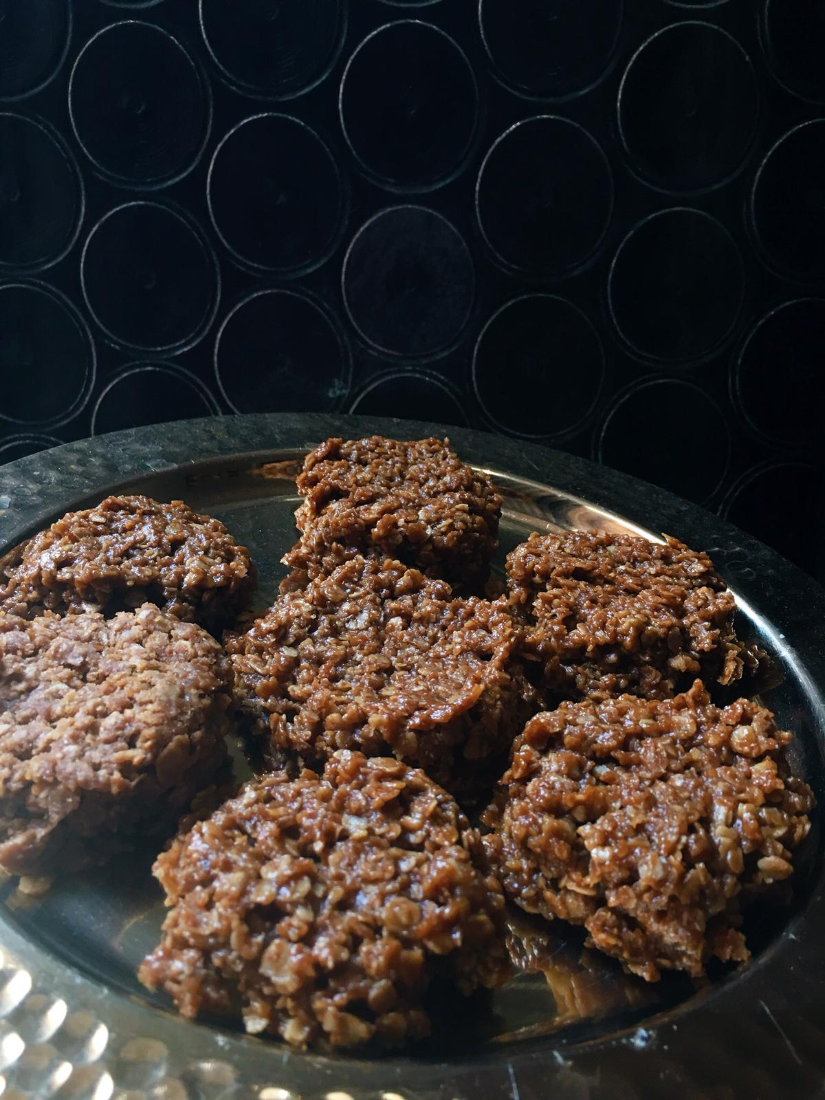 These no bake cookies are perfect for summer! They are gluten and dairy free. Using raw sugar will make them vegan, too!