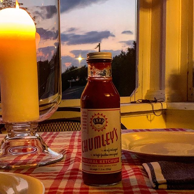What goes best with a sunset dinner? Chumley's Natural Ketchup...naturally. Order some today @sourcewhatsgood.com (sunsets not included)