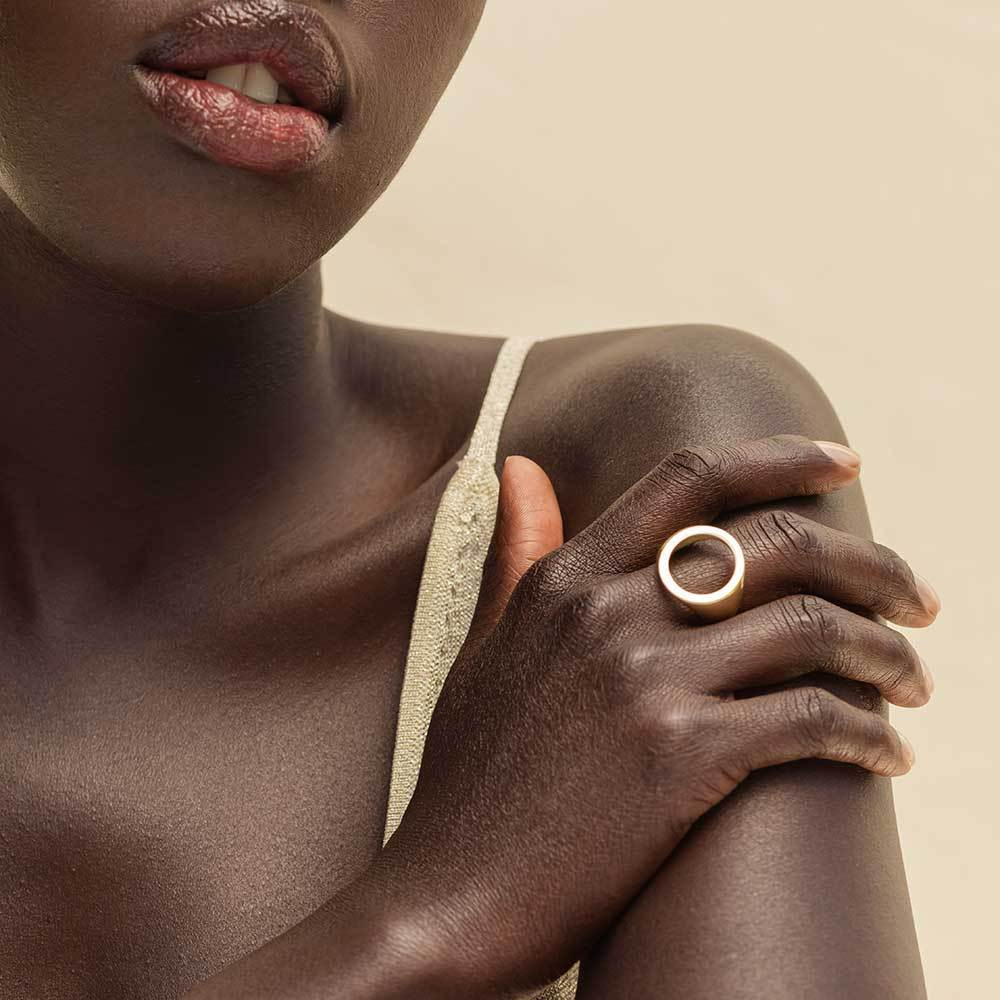 soko_open_circle_statement_ring_brass_model.jpg