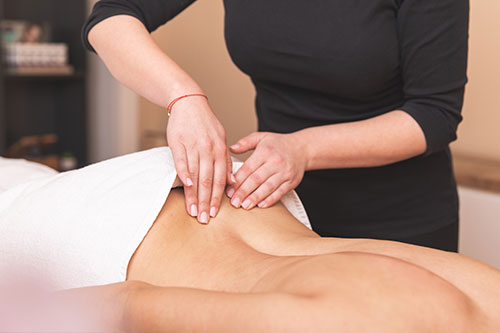 Ayurveda-Massagen - Abhyanga Massage (Ganzkörpermassage)60 Minuten – 80,00 €90 Minuten – 100,00 €Kalari-Massage (Kraftvolle Ganzkörpermassage)60 Minuten – 80,00 €90 Minuten – 100,00 €