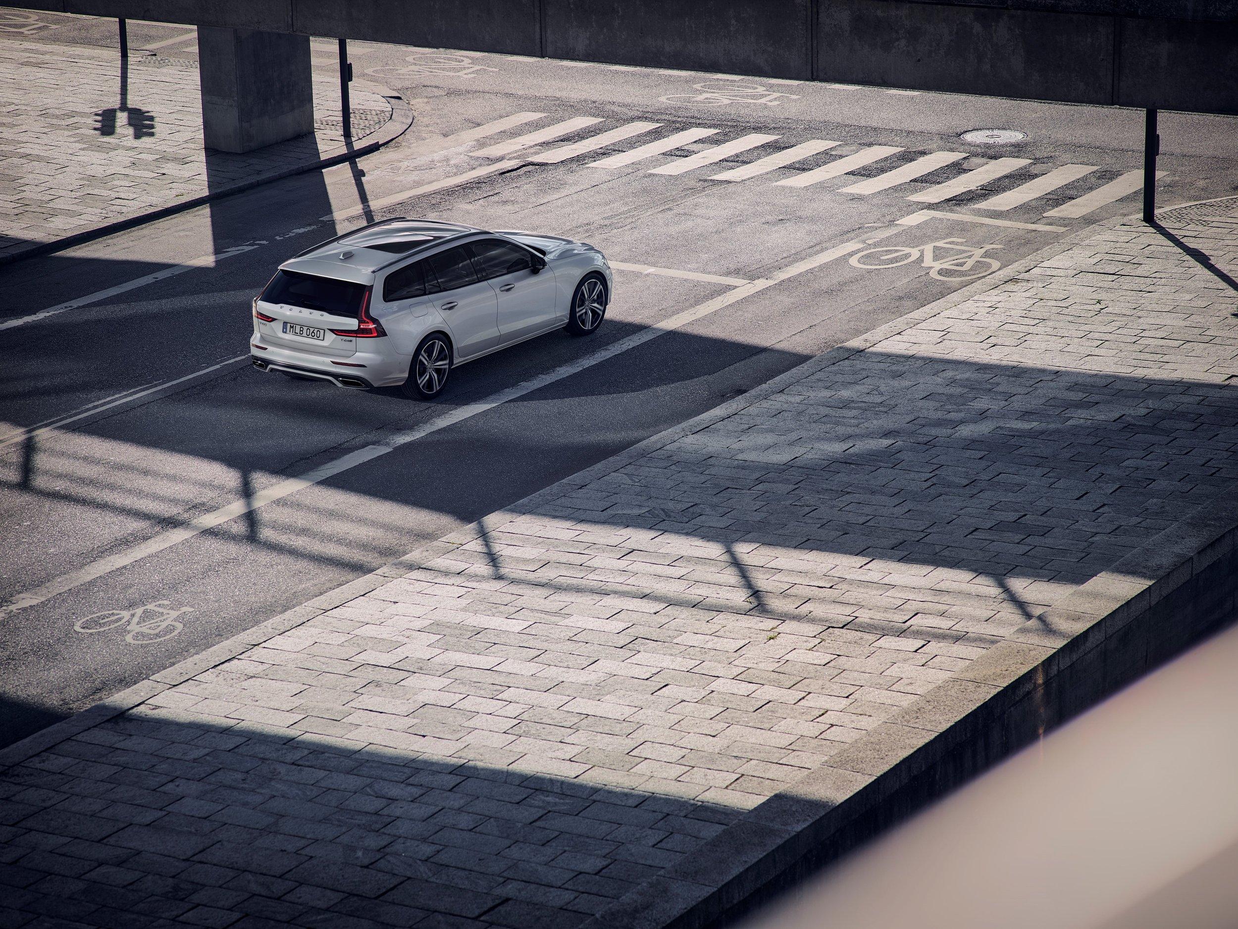 231025_Volvo_V60_R-Design.jpg