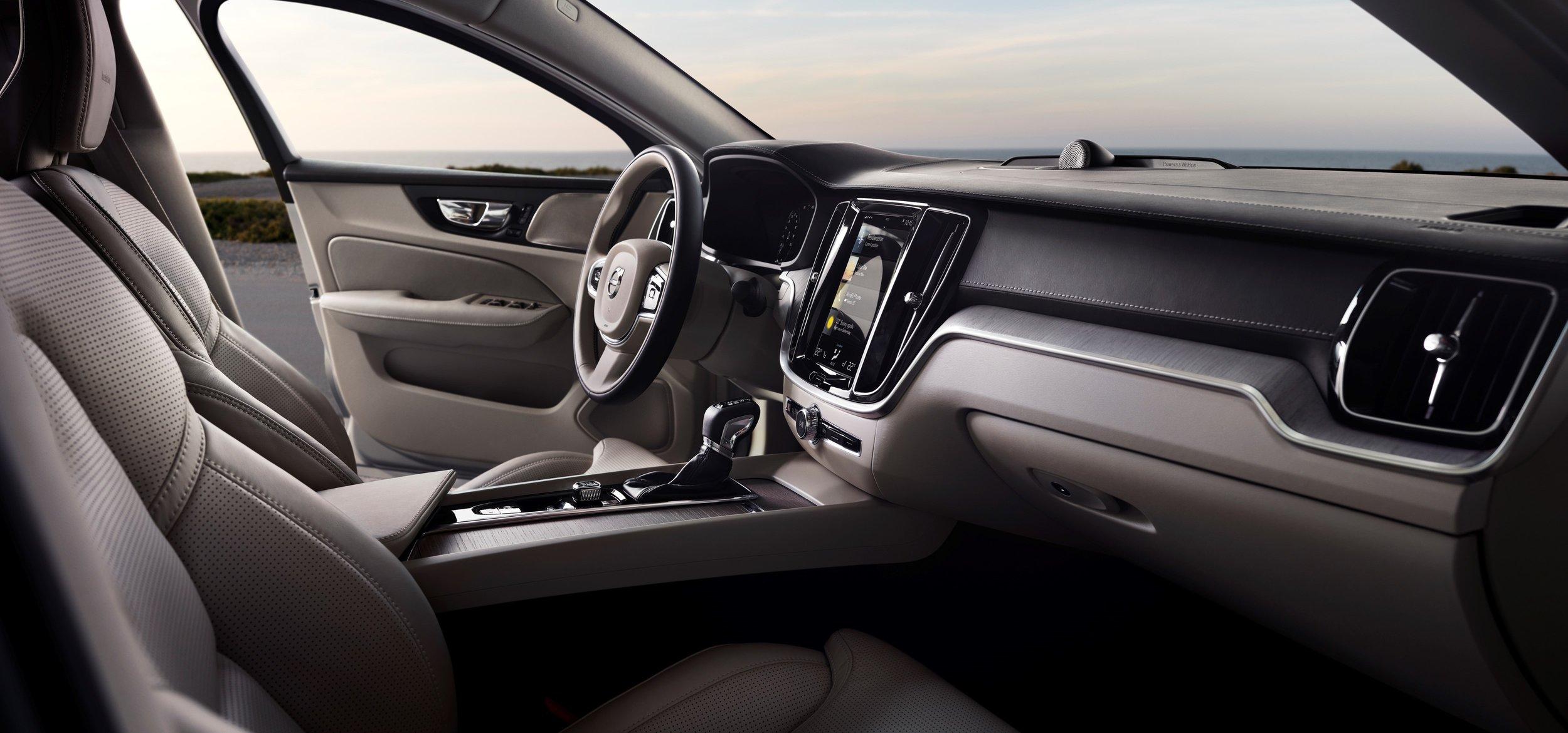 Volvo_S60.jpg