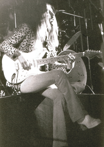 Uli playing the intro to  They need a Million  at College St Barthelemy, Liège, Belgium, 26. November 1975