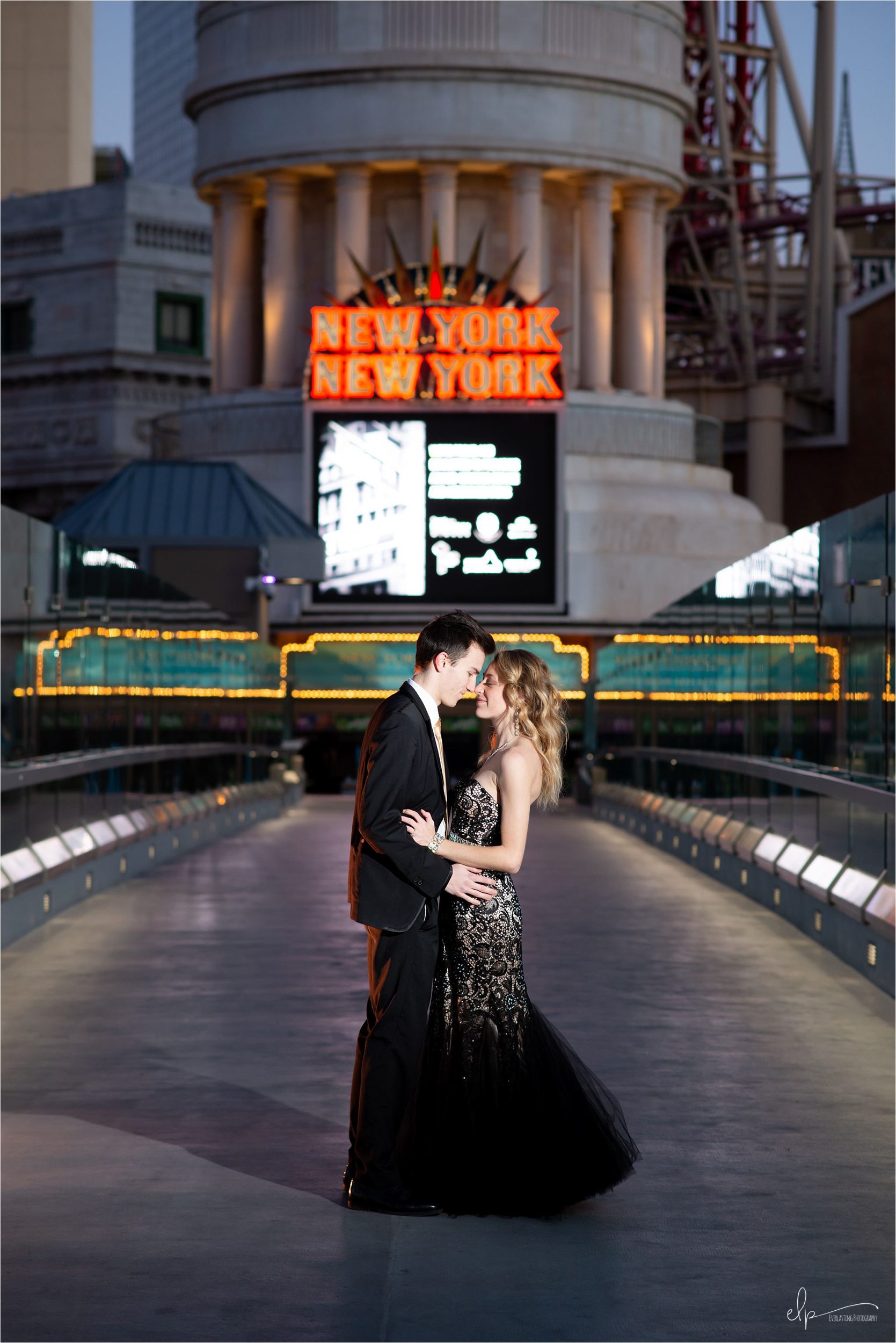 Engagement session at New York, New York, Las Vegas.
