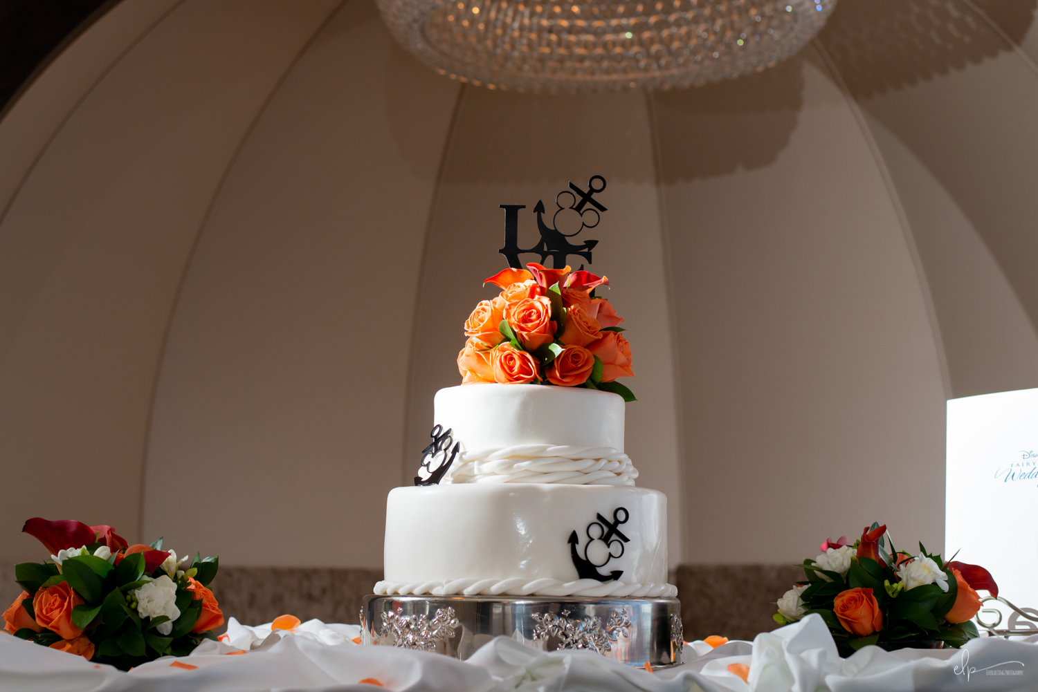 Disney-Cruise-Disney-Fantasy-Wedding-Cake-Photography.jpg