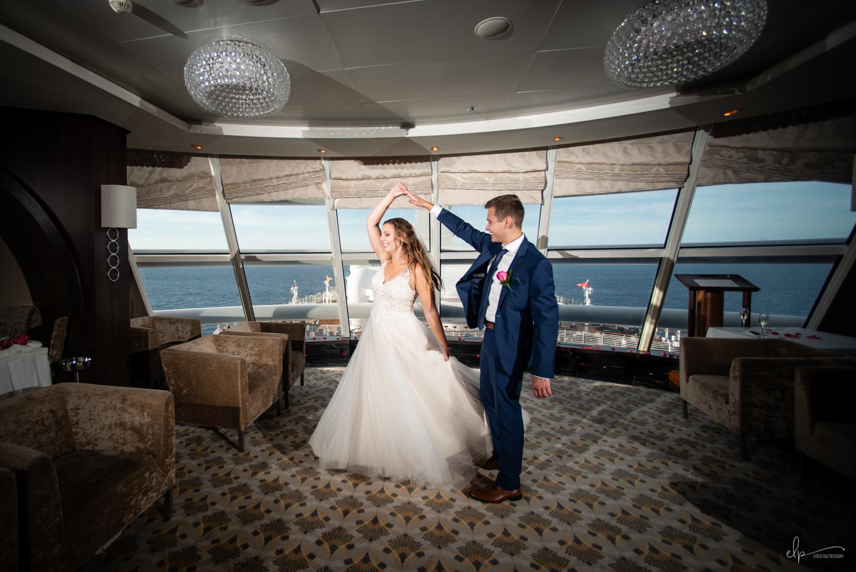 wedding photography in outlook lounge on disney cruise