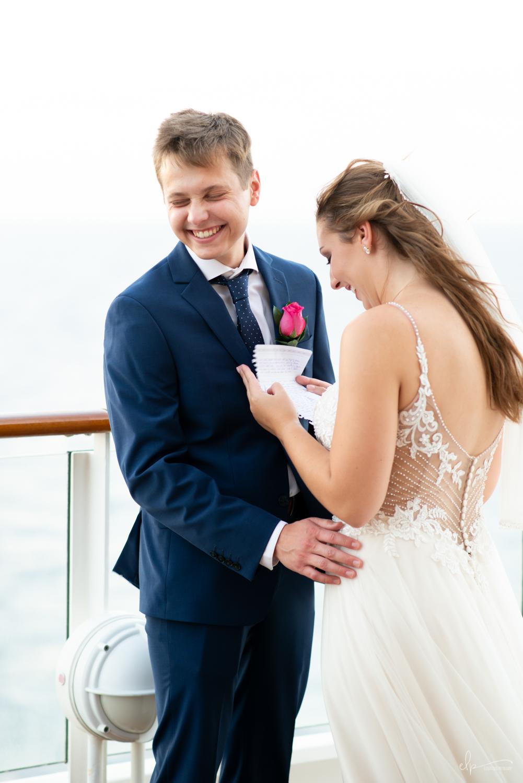 wedding vow photographer on disney cruise line