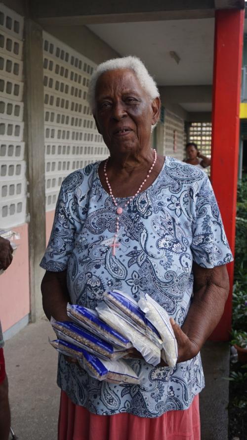 Dominican woman.JPG