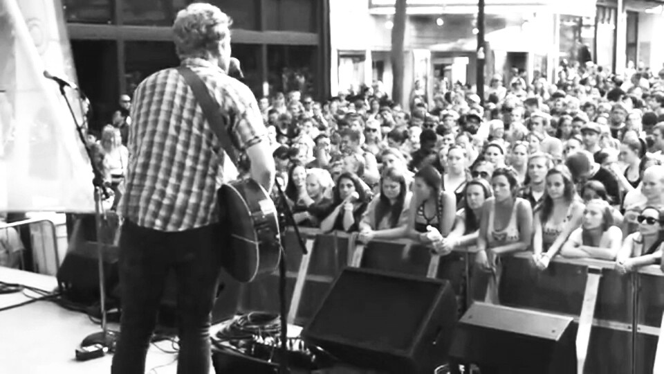Live On King Street, Madison Wisconsin 2012 - shot by Kyle from Green Bay I believe