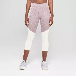 Champion - Women's Freedom High-Waisted Colorblocked Capri Leggings