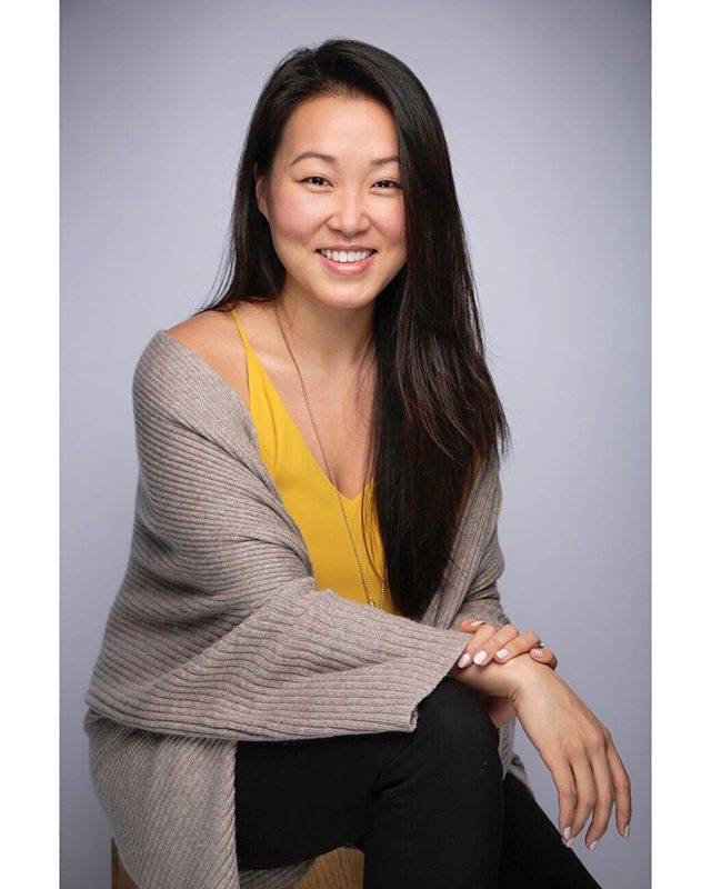 """What's one thing you LOVE about your job? """"I love working with new and fresh startups because the people behind them are so passionate about what they do, it inspires me!🔥🔥🔥"""" -@justlivvy @pdpropertiesnyc @techdayhq .....#goodjobsgp #happyatwork #itslikepicturedayforadults #smileifyouloveyourjob #techday #techdaynyc #techdaynewyork #techday2019 #portraits #makeportraits #portraitphotography #companypictureday #startup #javitscenter #nyc #techcommunity #empoweringothers #therealdeal #retailleasing#nyc#leasing #nycleasing#nycclosings#nyrealestate #realestate #therealdeal#pdpropertiesnyc #realestatenewyork#realestatenyc"""