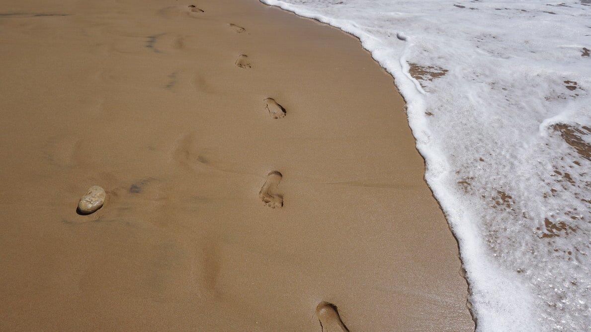 Footprints come and go