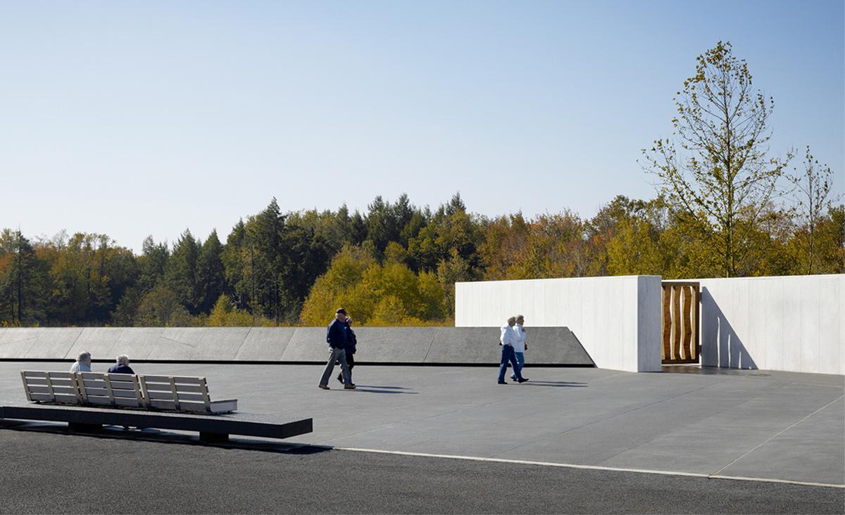 Memorial-plaza_HOR_PMA1.jpg