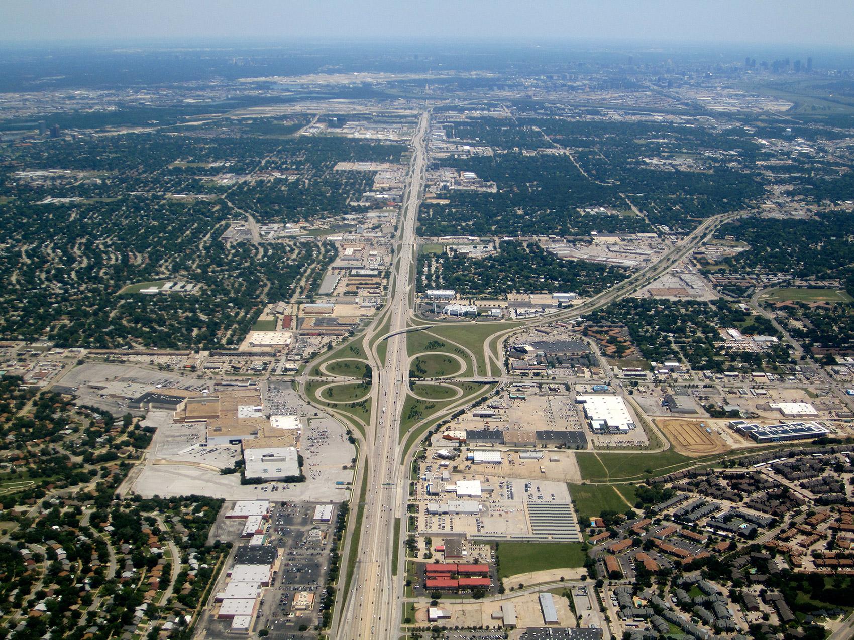Dallas suburbs. Image: La Citta Vita, CC BY-SA 2.0