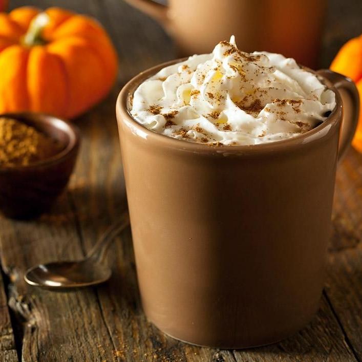 1 tasse de café  ½ de lait d'amande 30 calories ½ scoop de proteine a la citrouille ¼ de tasse de purée de citrouille 1 steviaPoivre -