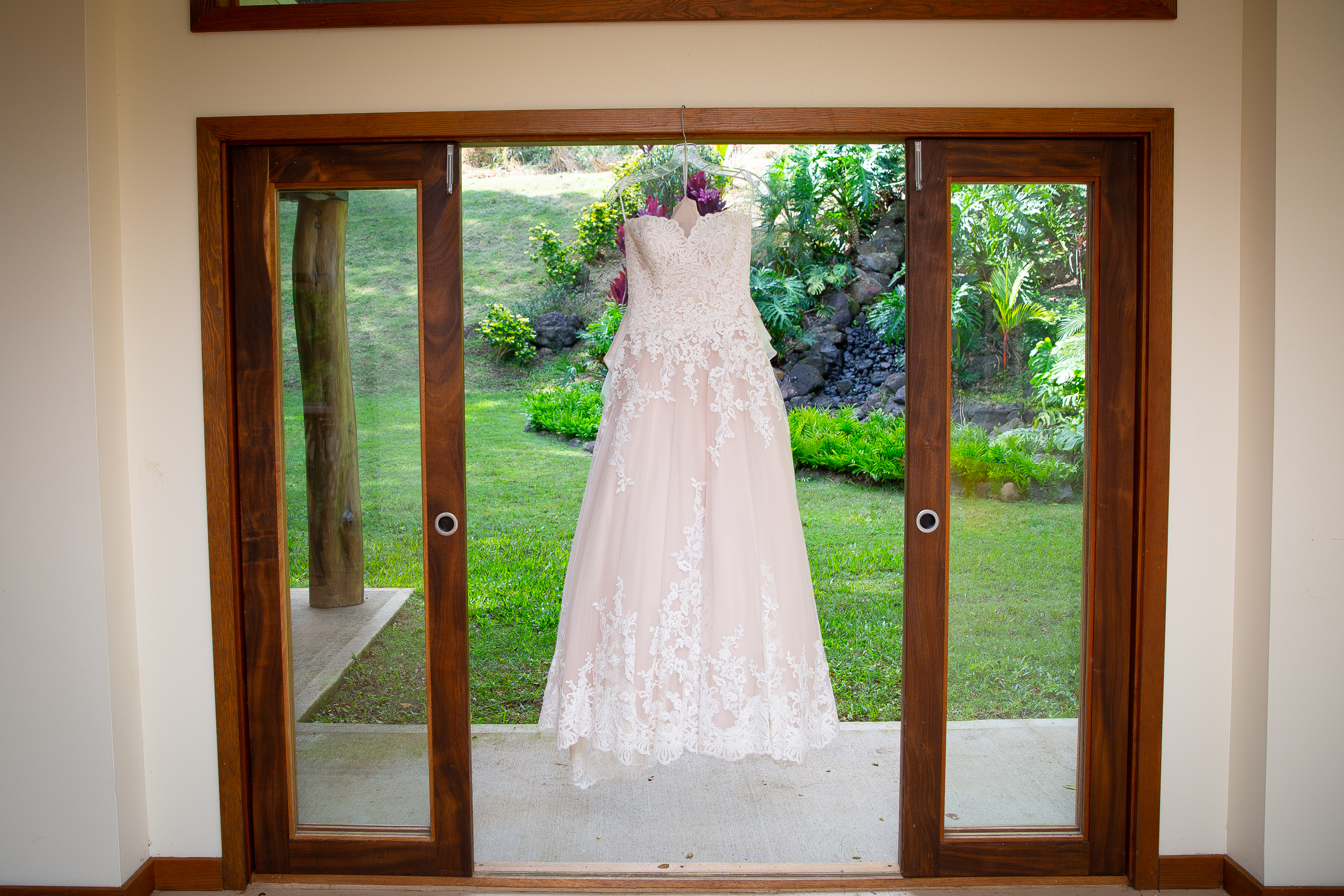 Kualoa Ranch Wedding in Hawaii -4.jpg