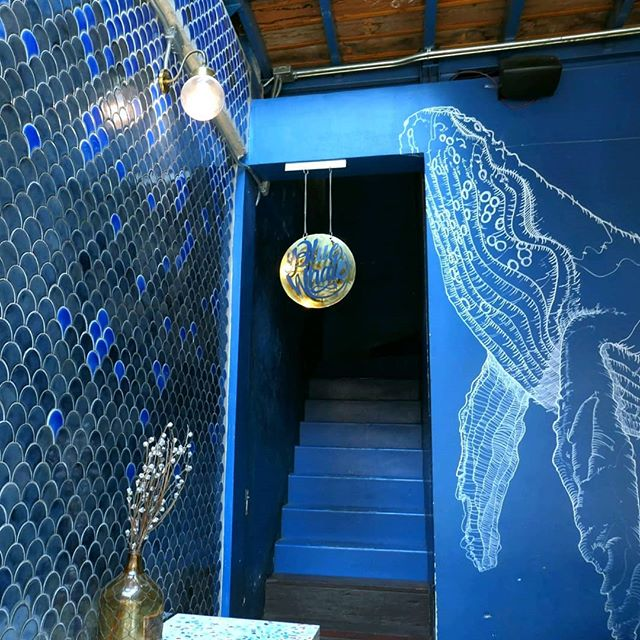 When I was in Bangkok, I found @bluewhalebkk - a café so aesthetically perfect that even the COFFEE was blue! 🙏🏽🐳💙🐋☕ . #tbt #blue #café #bluewhalecafe #Bangkok #Thailand 🇹🇭