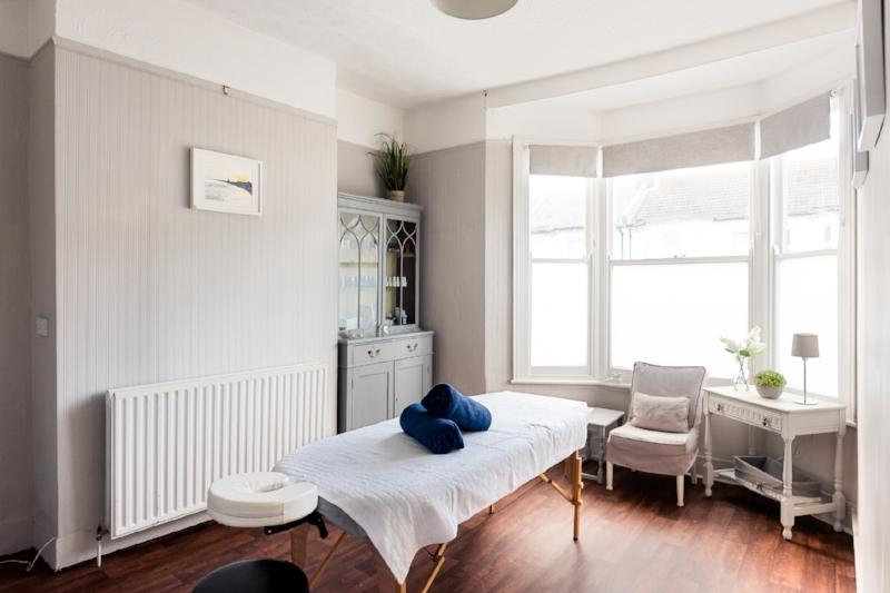 Seb-Massage-Grey-Door-Hove-Simon-Callaghan-Photography-1003.jpg