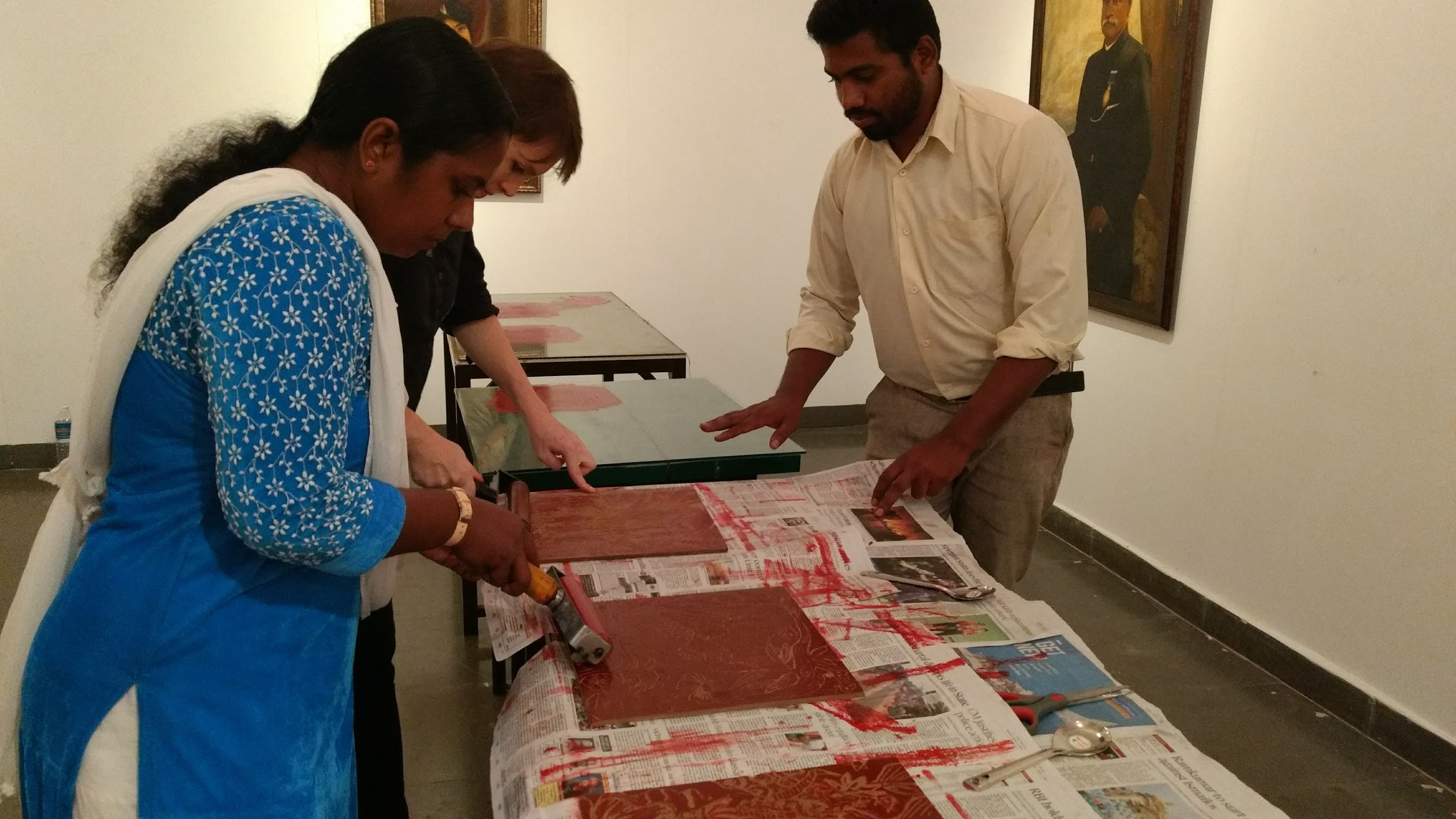 Demo in Woodcut technique by print master Jayesh Barsathi