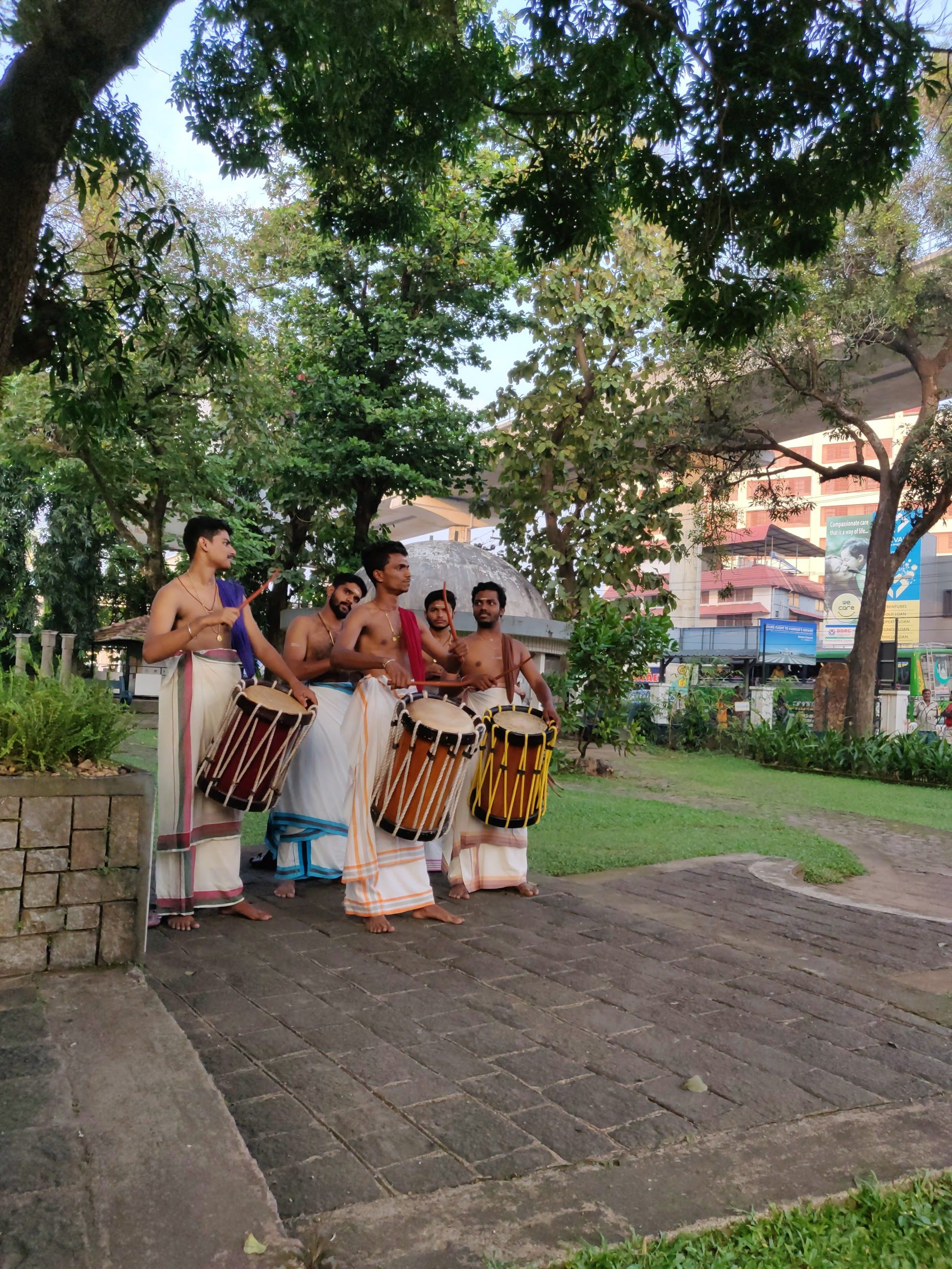 The Chenda team of Kalamandalam Ratheesh Bhas and Group from Shoranur opened the Deśaj Festival at the feet of the statue of Parasurama in front of the History Museum