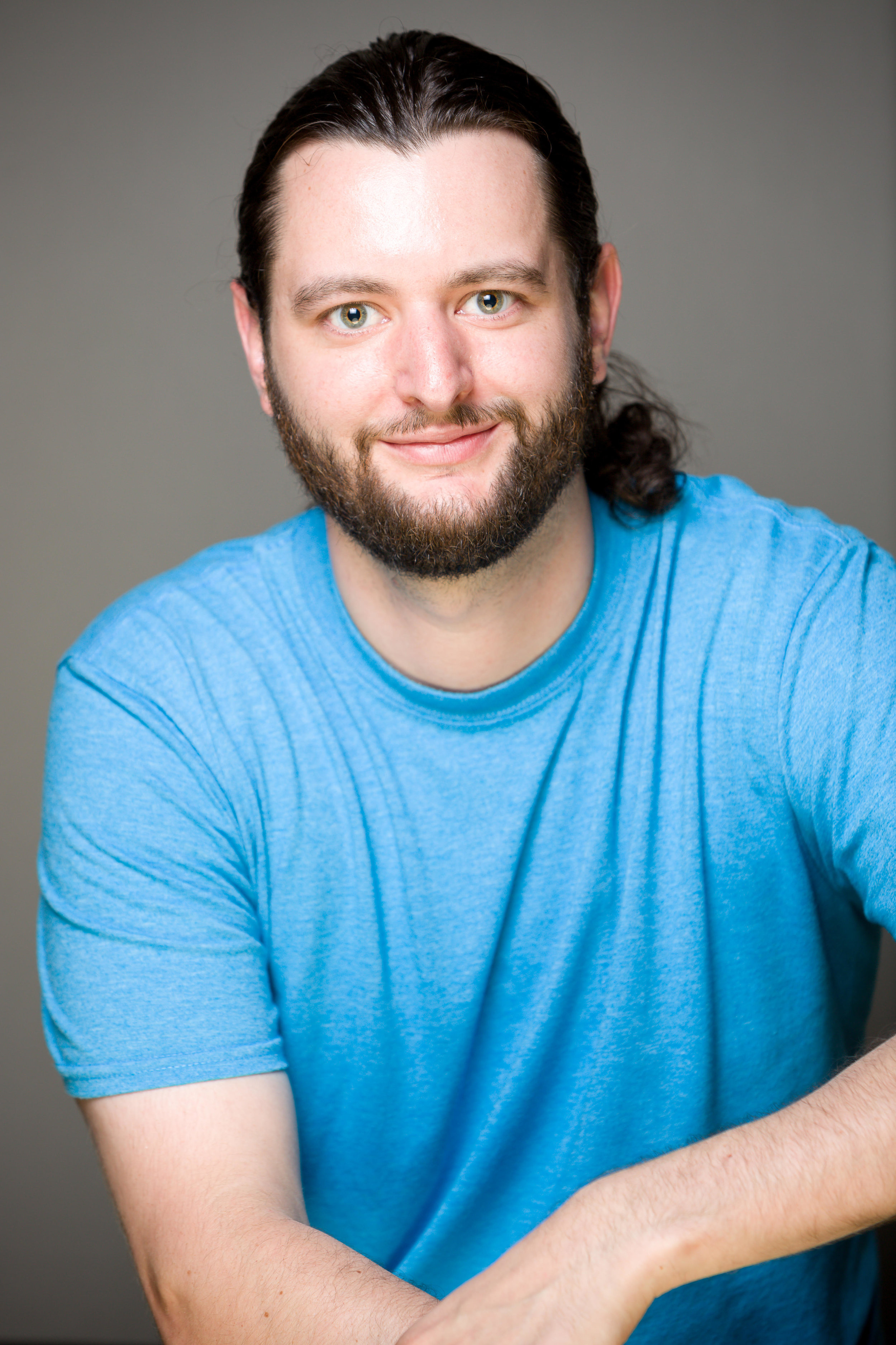"""Chase Mayers was born and raised in Baton Rouge, Louisiana and now calls Seattle  his comedy home. Chase has performed in festivals including the Black Box Comedy  Festival, Gilda's Laughfest, and the Burbank Comedy Festival, where he was selected  """"Best of The Fest"""". His mixture of storytelling and observation along with his unique  accent brings the crowd in and makes him a favorite everywhere he performs"""