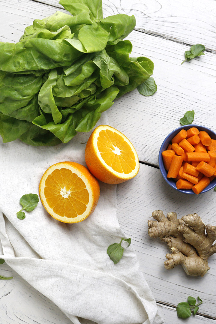 An homemade Asian-inspired carrot, ginger and orange dressing that's super easy to make! It's healthy, helps you detox and filled with flavor!