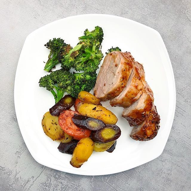 Pork tenderloin from @butcher_box. I have to say, we are loving all of the grass-fed, sustainable, high-quality meats that arrived at our door! 📦 🏡 Isn't it nice to look into the fridge or freezer and have lots of food to choose from? 👏🏻 • • • On the plate: roasted broccoli + sautéed carrots + oven roasted tenderloin. It doesn't have to be complicated. Everything is simply seasoned with spices, herbs and healthy fats so we can ease into Monday. Have a great one! #offthebeetenplate . . . #mediterraneandiet #instafood #cleanfood #healthyfood #fitnessfoods #healthier #cleaneating #healthylifestyle #yummylicious #glutenfreelife #dairyfreelife #simplerecipes #instafit #nutrition #plantbased #whole30 #healthyrecipes #healthyweightloss #foodbloggerpro #realfoodz #porktenderloin #broccoli #roastedveggies #paleodinner #healthymeals #veggiesmost