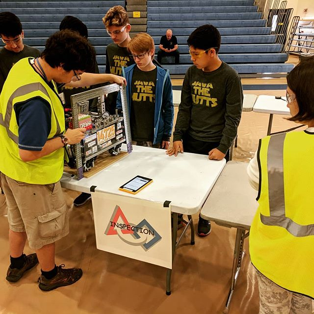Getting started early this beautiful #florida morning with robot inspection, thanks to our host Charlotte High School!!