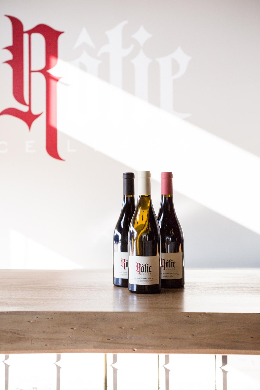 rotie-cellars-tasting-room-seattle-sodo-wine-danielle-motif-photography-2.jpg