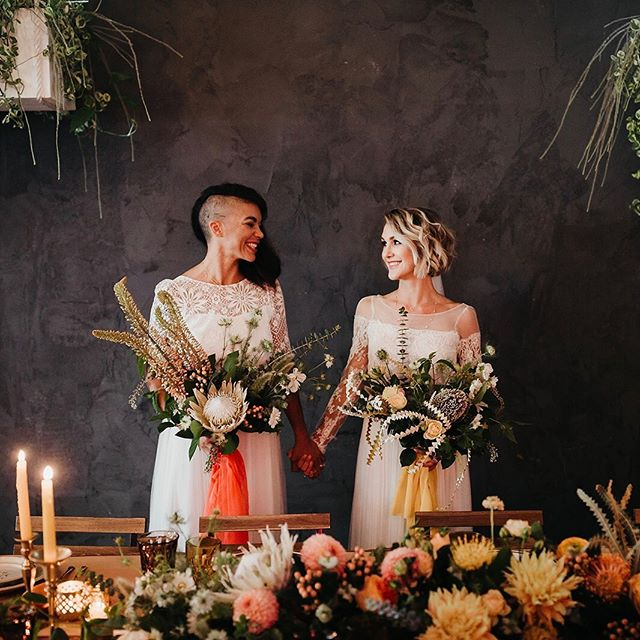 Find your person & never let go!🤝🌿💛 #tohaveandtohold #wifeyforlifey #planprepparty  design+styling: @planprepparty photography: @kamiolavarria florals: @thefloralcraft gowns+veils: @christinasfez furniture+rentals: @ccvintagerentals tabletop rentals: @notmydish beauty planner: @elwynnandcass hair+makeup: @dannielle_robeson jewelry: @thediamonddaughters brides: @taylorcay @naybug ceremony backdrop installation: @kindredandcopper letterpressed paper goods: @lovelybonespaperie disco ball vases: @prissyemnashville linen: @bbjlinen venue: @fruitcraftsandiego