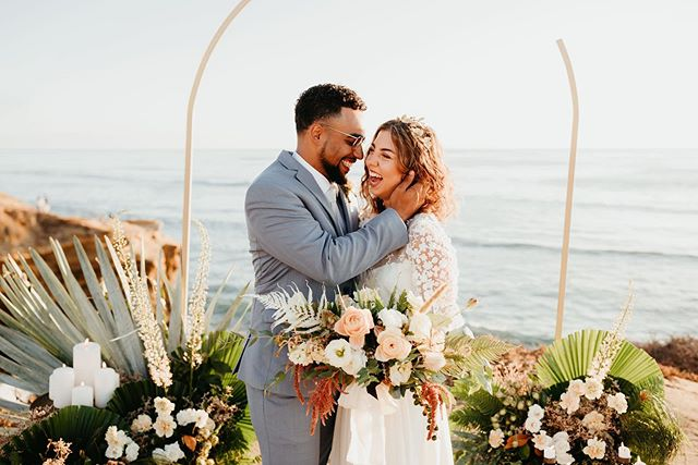 ⚠️⚠️👀 Watchout for this breathtaking wedding at #SunsetCliffs 🌞 Endless gratitude to the Team that brought it all to life.🖤 #planprepparty #destinationwedding ____  planning: @planprepparty | photography: @kamiolavarria | florals: @ahrflorals | letterpress: @lovelybonespaperie | cake: @frostmegourmet | rentals: @conceptseventdesign | bridal: @christinasfez | headpiece: @jenniferbehr | menswear: @friartux | engagement ring: @thediamonddaughters | clean-up: @rapidocleaning | real couple: @vanessadoubt @jamallnightlong