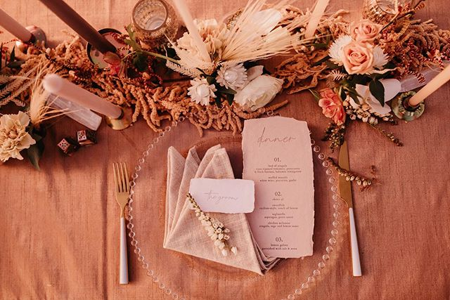 Fading away into this Sunset tablescspe.🌅 #planprepparty #destinationwedding ____ planning: @planprepparty | photography: @kamiolavarria | florals: @ahrflorals | letterpress: @lovelybonespaperie | cake: @frostmegourmet | rentals: @conceptseventdesign | bridal: @christinasfez | headpiece: @jenniferbehr | menswear: @friartux | clean-up: @rapidocleaning | real couple: @vanessadoubt @jamallnightlong  ____ #californiaweddingplanner #sunsetcliffswedding #engaged #weddingplannersgonnaplan #elopement #beachwedding #westcoastwedding #designcreatestyle #socalwedding #californiaweddings #socalweddingplanner #californiaweddings #losangelesweddingplanner #sandiegobeaches #sunsetwedding #californiadestinationwedding #socalweddingcoordinator #destinationweddingplanner #californiaeventplanner #theknotbestofweddings #weddingplanner #sdweddingplanner #weddingdesigndetails  #sandiegoweddingplanner #yourweddingyourway #celebrateeverything #sandiegoweddingcoordinator #weddingdesigndetails