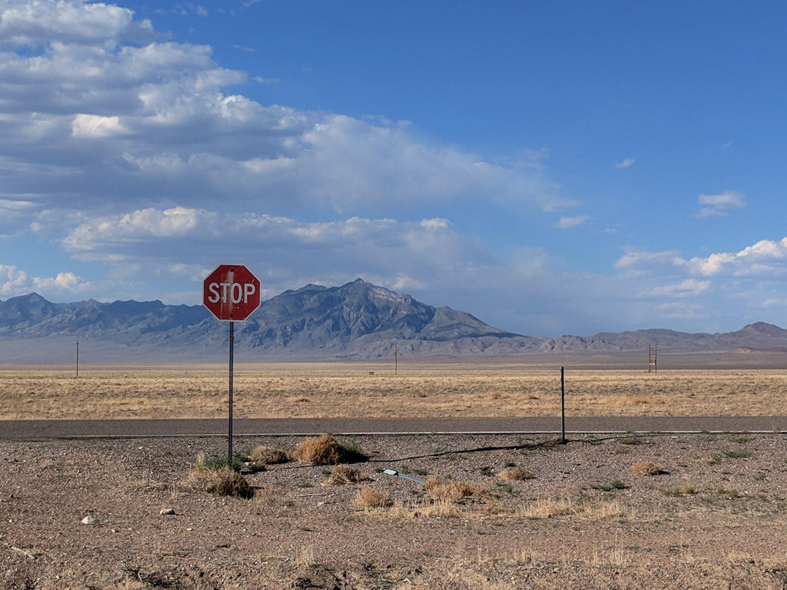 extraterrestrial+highway+state+route+nevada+375+alien+UFO2.jpg