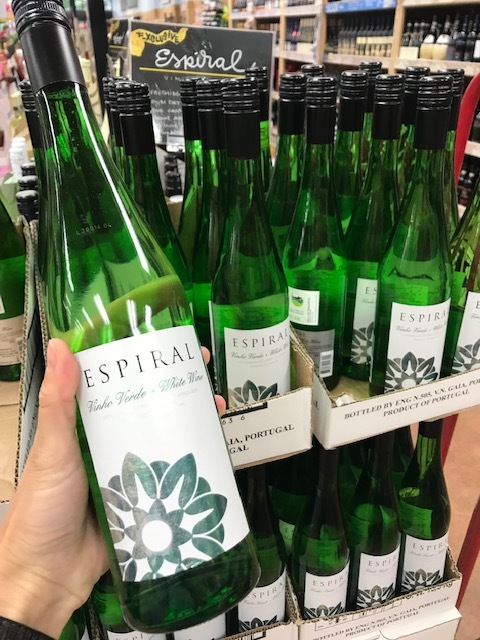 white-espiral vino verde.jpg