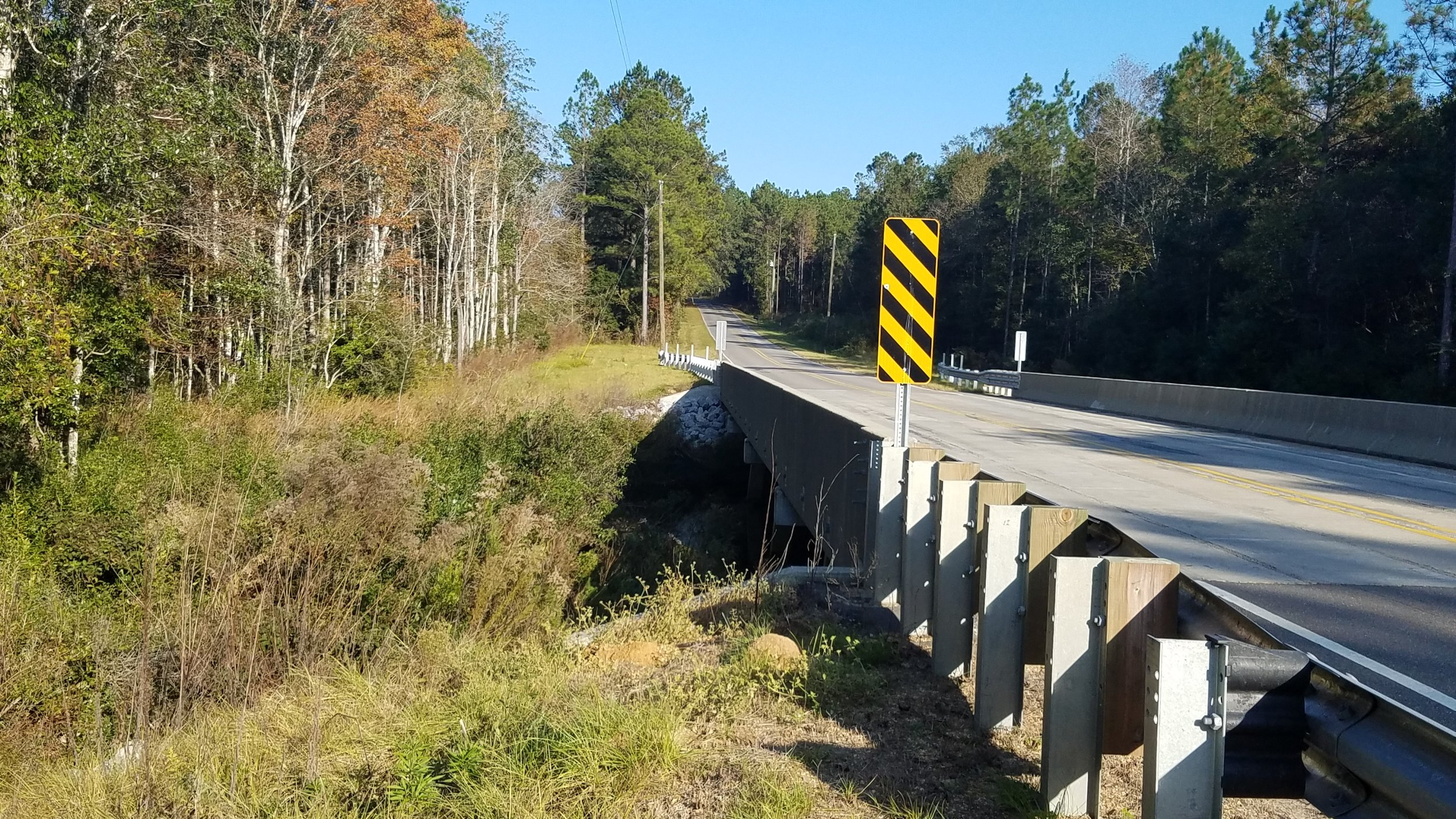 King Bee Rd Bridge 1 12.jpg