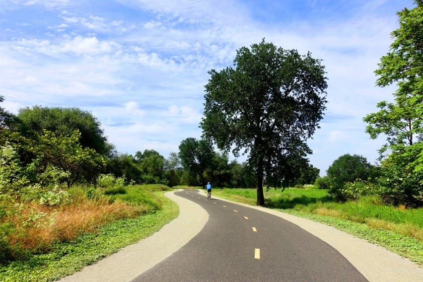 Pedal along the American River on a weekend trip to Sacramento