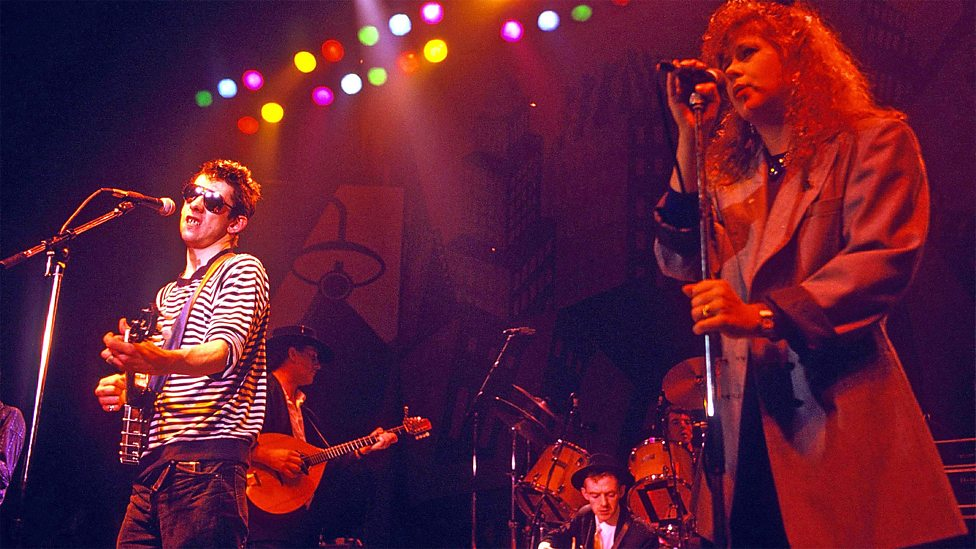 Shane MacGowan & Kirsty MacColl sing  Fairytale of New York