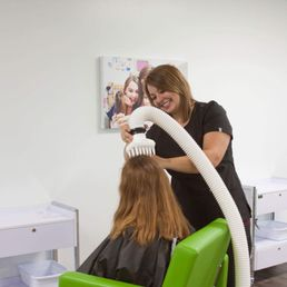 head-lice-treatment-clinicians 2.jpg