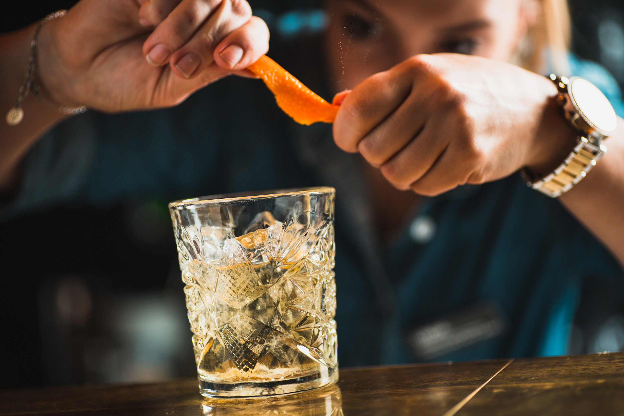 Quality-Hotel-Friends-BrasserieX-drink-zest.jpg