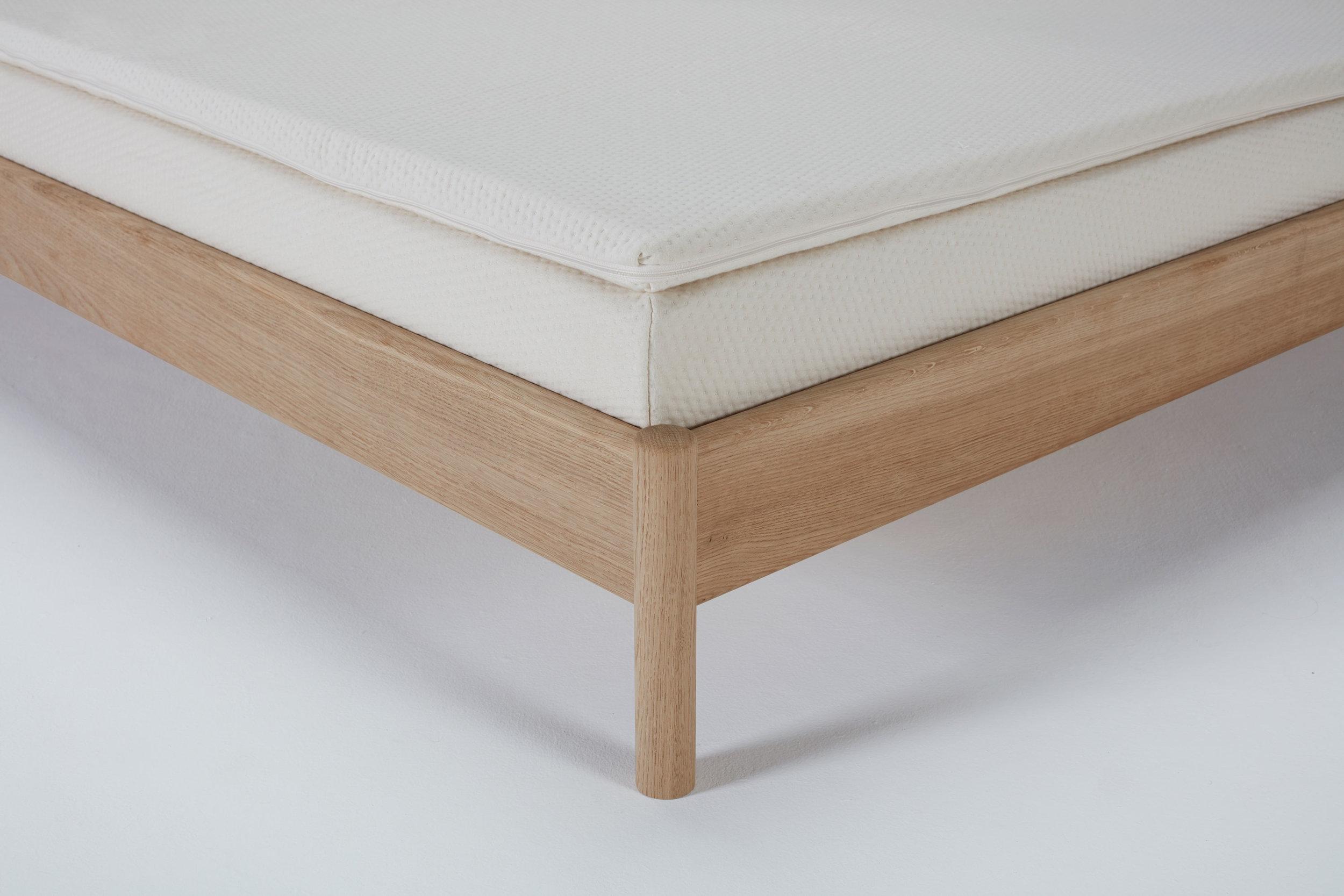 re-mattress-topper-classic-detail.jpg