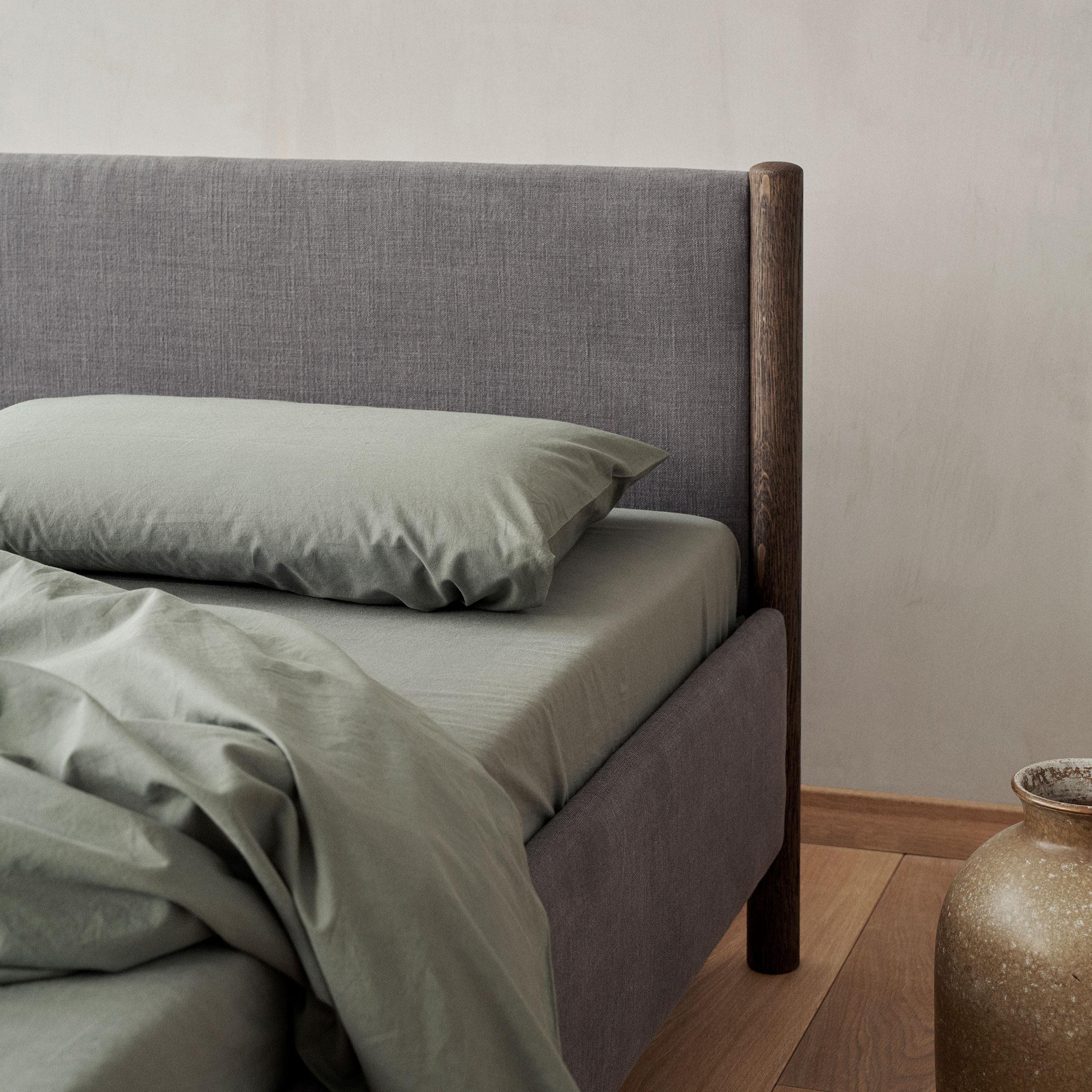 012-VENG-BED-AT-THE-LAB-RE-BEDS-DESIGN-BY-OLIVER-&-LUKAS-WEISSKROGH.jpg