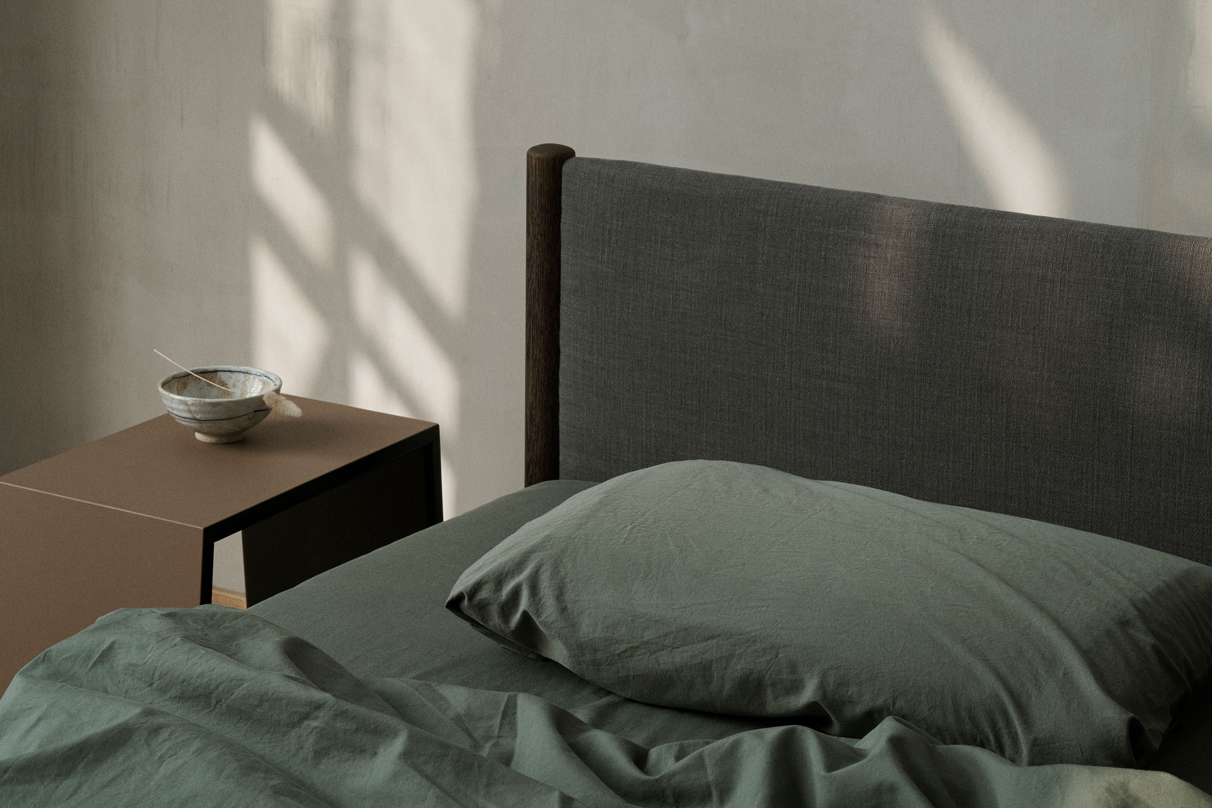 024-VENG-BED-AT-THE-LAB-RE-BEDS-DESIGN-BY-OLIVER-&-LUKAS-WEISSKROGH.jpg