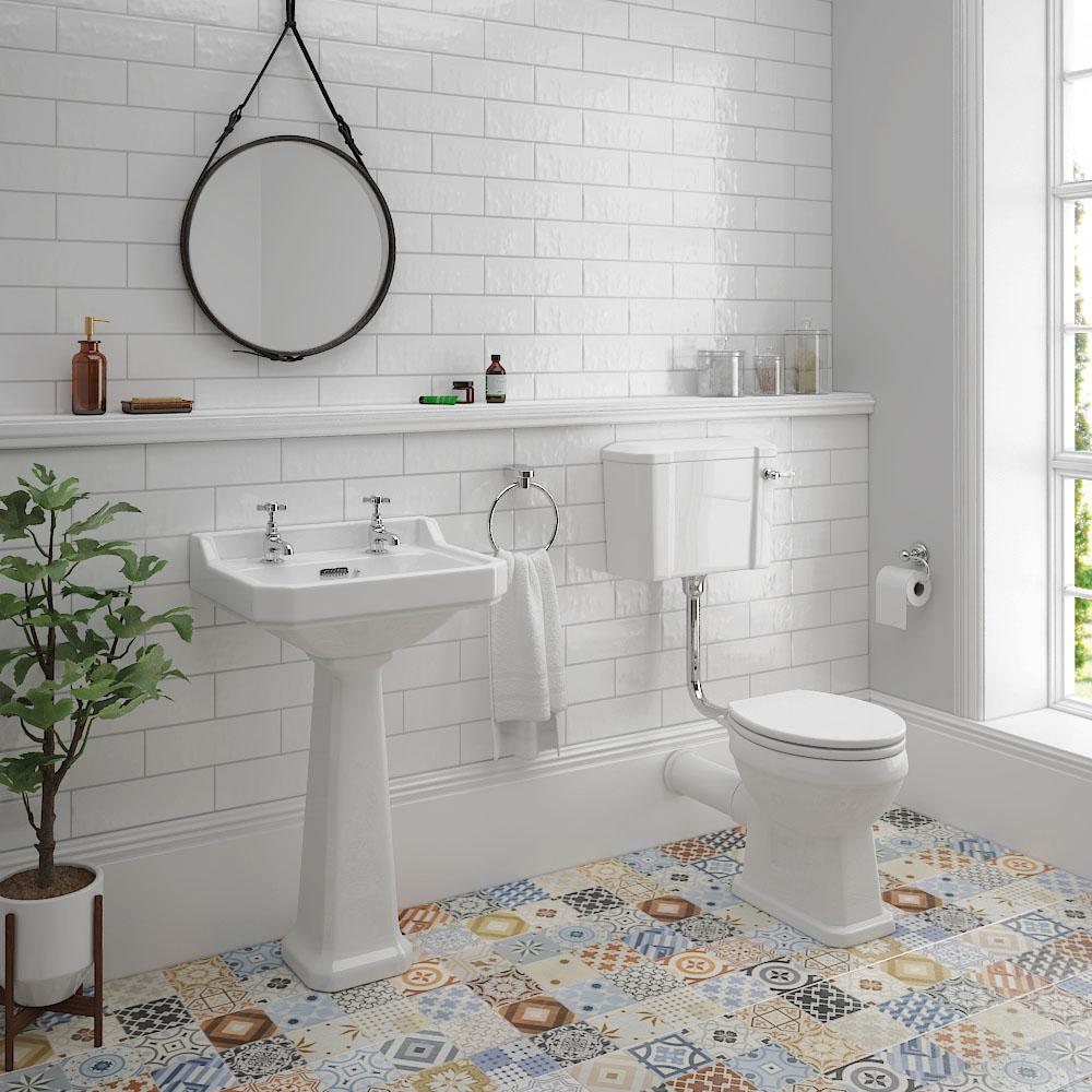 Traditional Bathroom Tiles Mirror