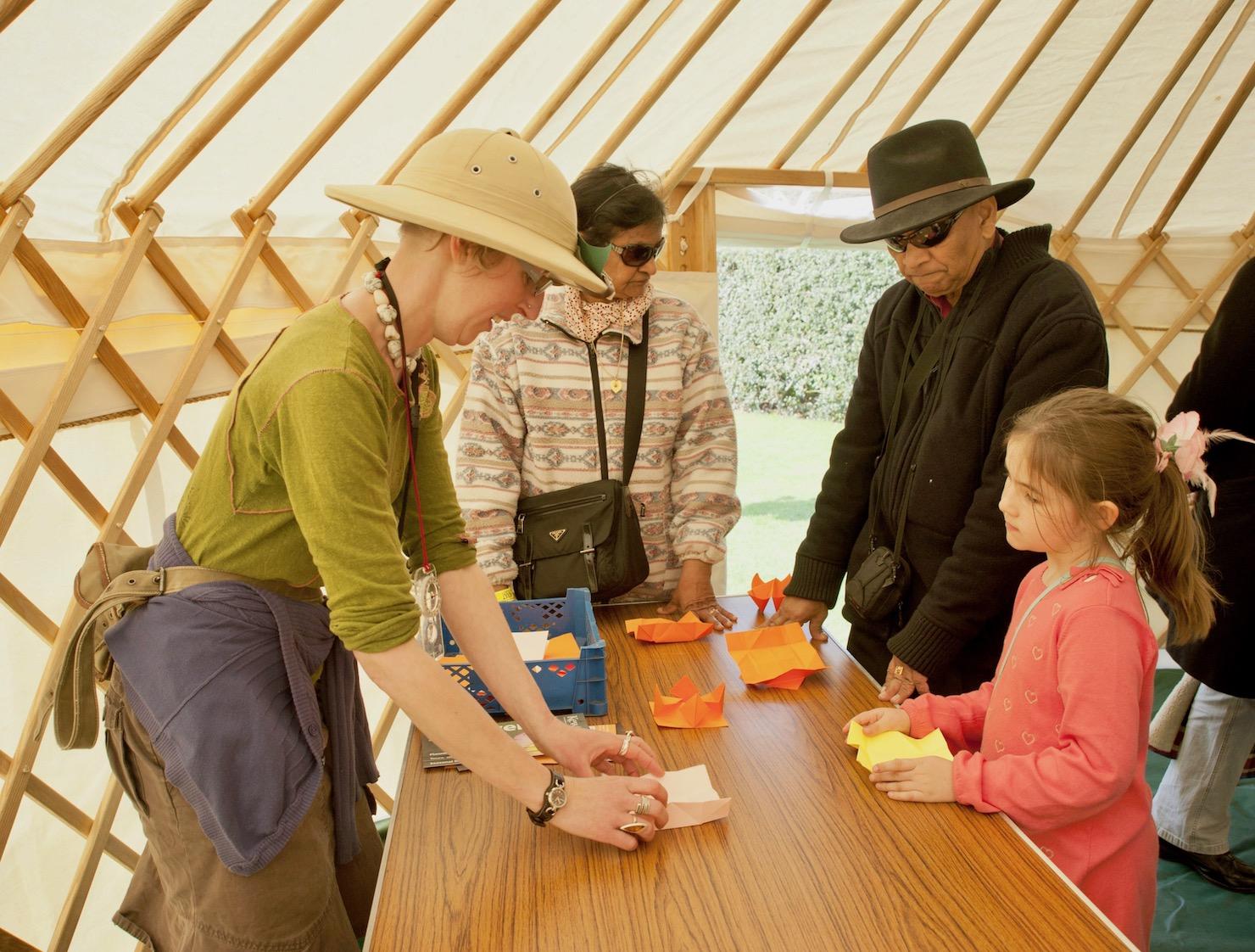 4.origami-kew-yurt-installation-gardens.jpg