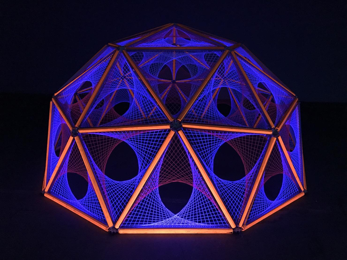 2-light-sculpture-art-ultra-violet-black-parabola-hubs-dome-geodesic.jpg