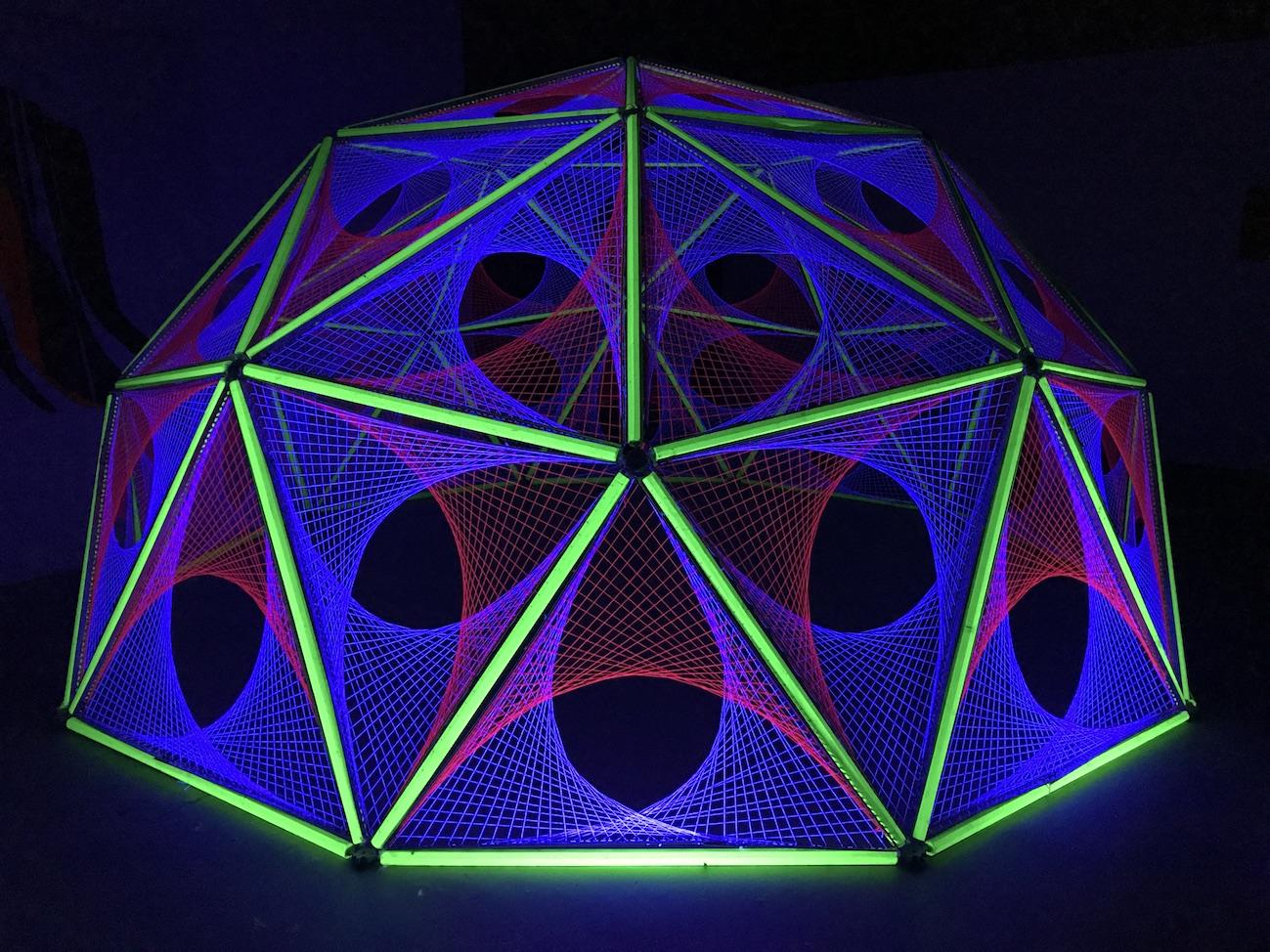 2-spectra-light-art-ultra-violet-black-aberdeen-dome-hub-geodesic-parabola.jpg